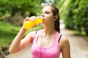Dietologė: renkantis aktyvų gyvenimo būdą, nepamirškite sulčių